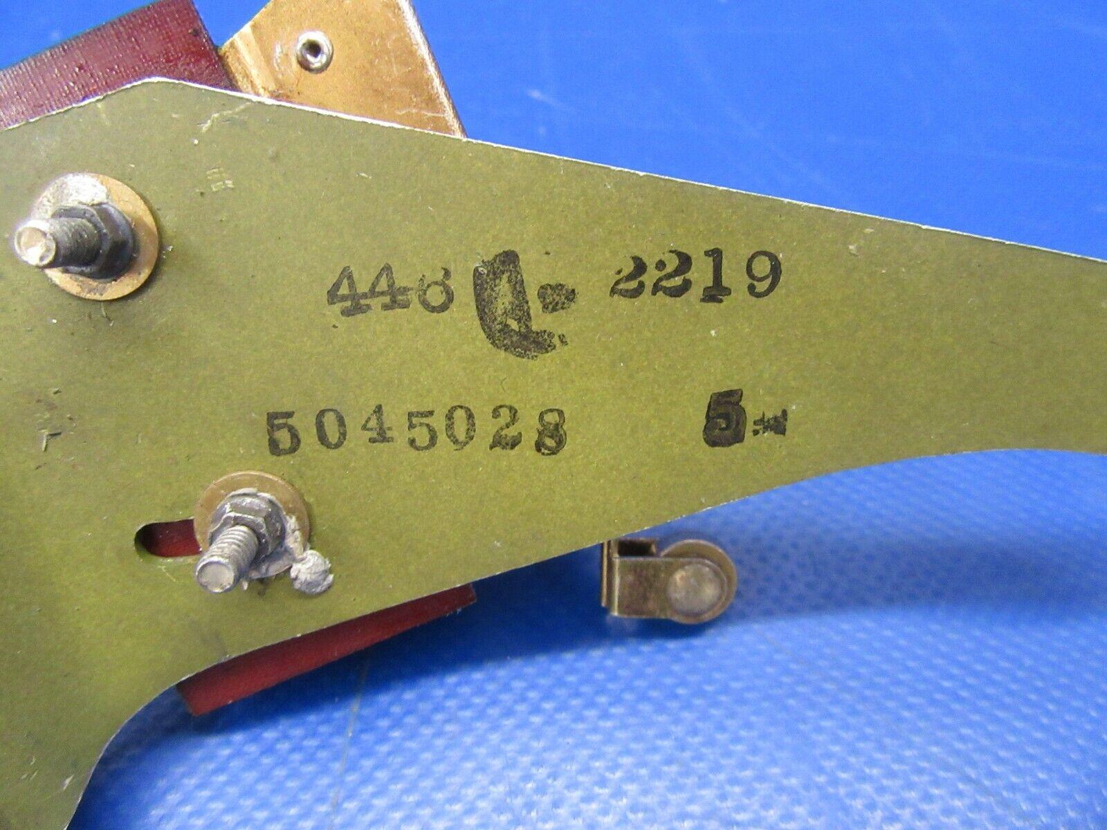 Cessna 310 R Up Limit Switch & Bracket BZ7RT04 & 5045028-5 (0219-260)