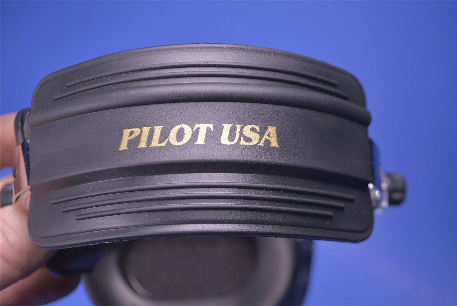 Pilot Communications Noise-Cancelling Headset for Aircraft Pilot Avionics